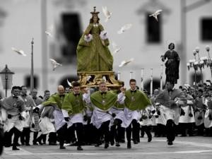Madonna che scappa in piazza, à Sulmona